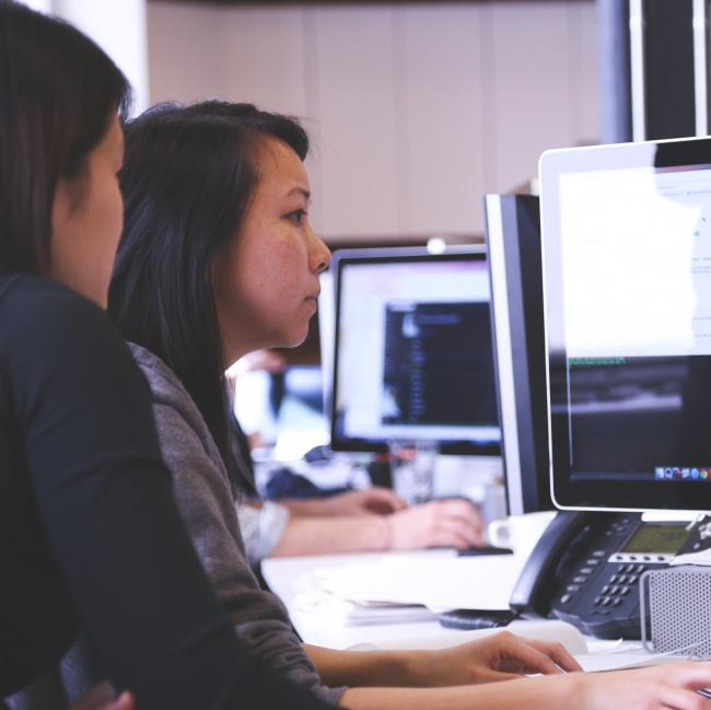 4 Compelling Reasons Why You Need to Work with A Software Development Company